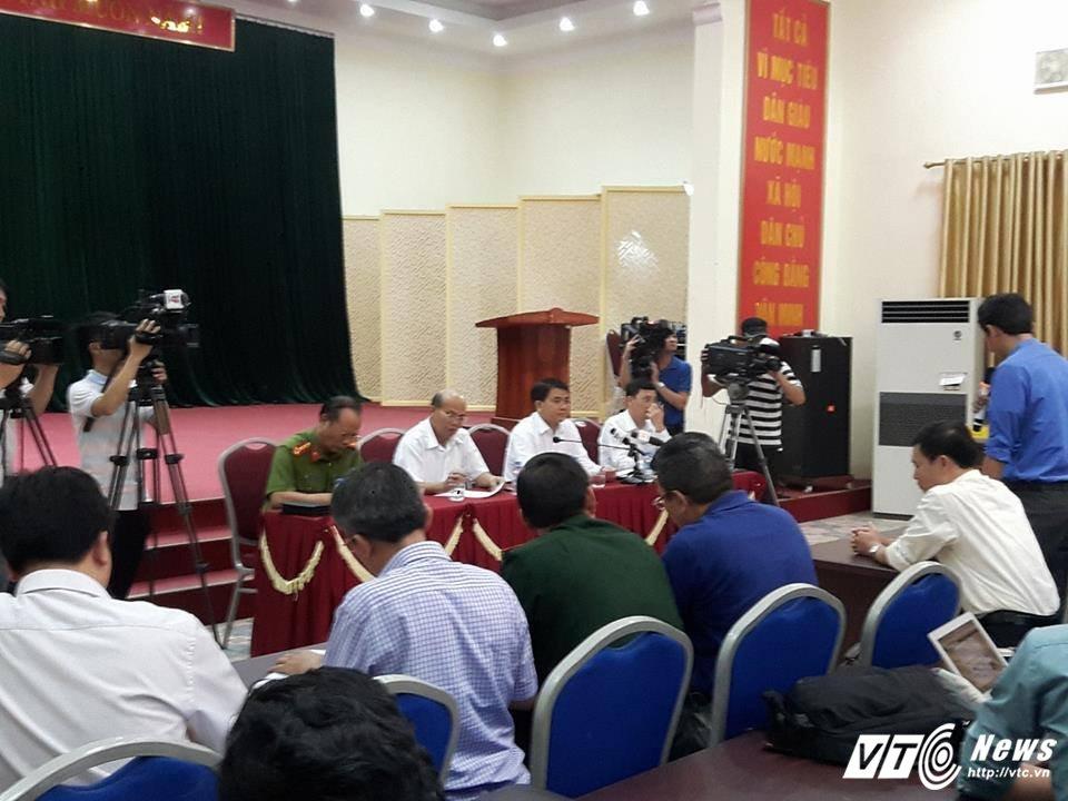 Ong Nguyen Duc Chung: 'De nghi nguoi dan som tha nguoi va thao do chuong ngai vat' hinh anh 3