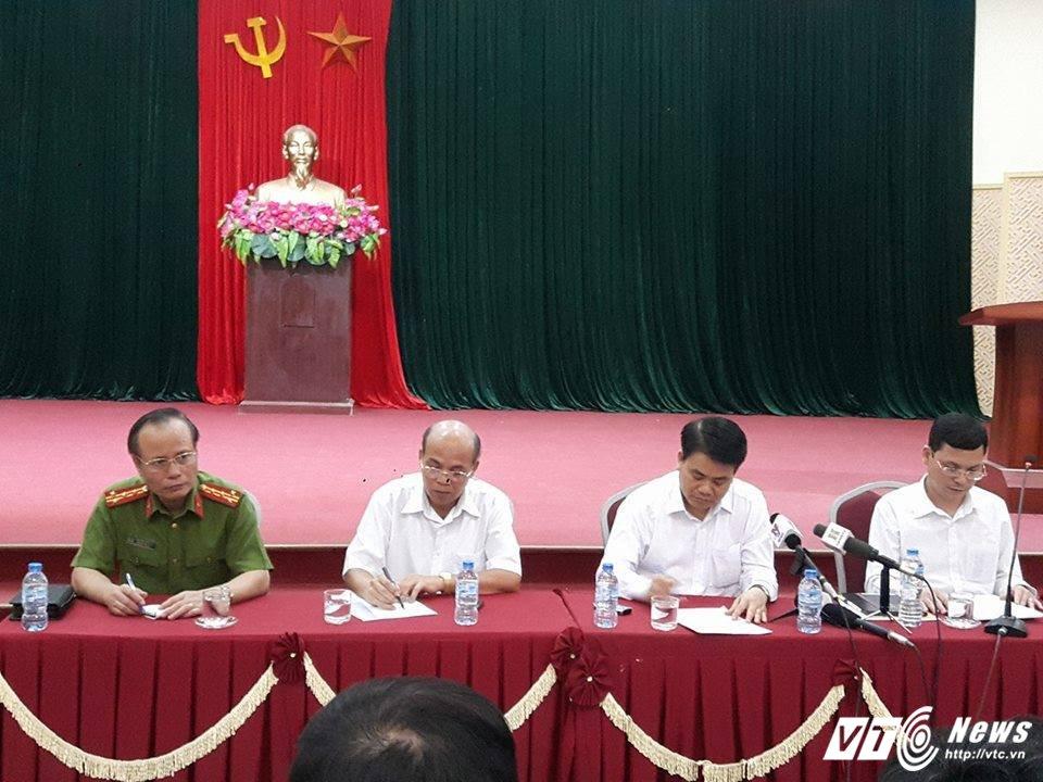 Ong Nguyen Duc Chung: 'De nghi nguoi dan som tha nguoi va thao do chuong ngai vat' hinh anh 1