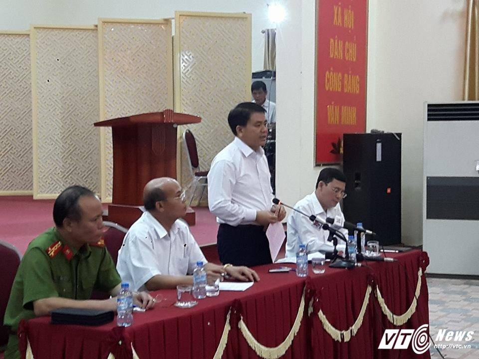 Ong Nguyen Duc Chung: 'De nghi nguoi dan som tha nguoi va thao do chuong ngai vat' hinh anh 2