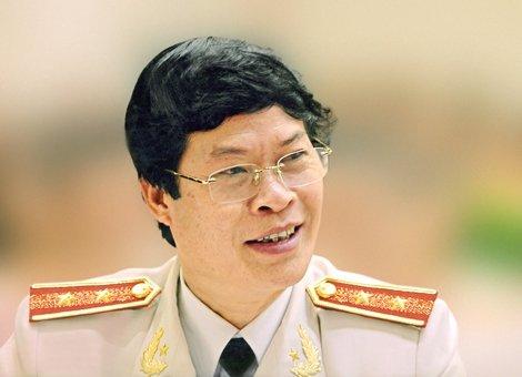 Trung tuong Nguyen Huu Uoc se kien Luat su Tran Dinh Trien hinh anh 1