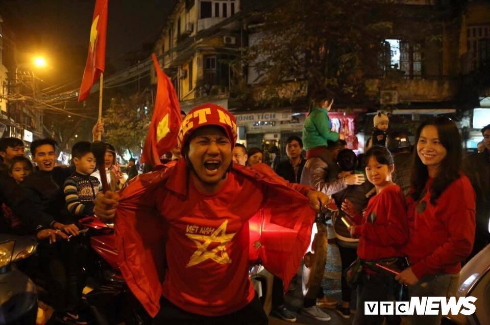 U23 Viet Nam lam rung chuyen chau A: Y chi quat cuong tu niem tu hao dan toc hinh anh 2