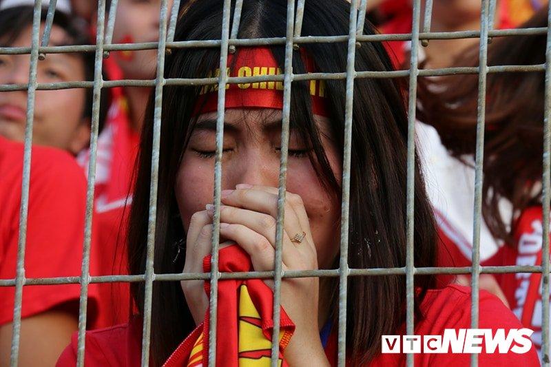 Anh: Nguoi ham mo vo oa khi U23 Viet Nam ghi ban go hoa 2-2 hinh anh 7