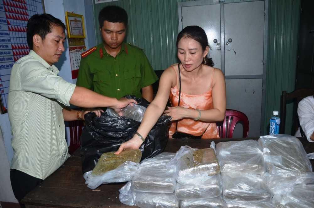 Triet pha vu van chuyen can sa lon tu Lao ve Viet Nam hinh anh 1