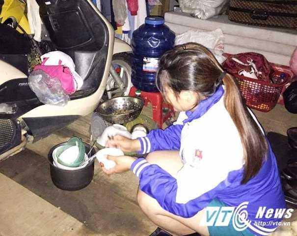 Dan noi 'ron lu' Quang Binh van nuoc mat chan mi tom cho nuoc rut hinh anh 3