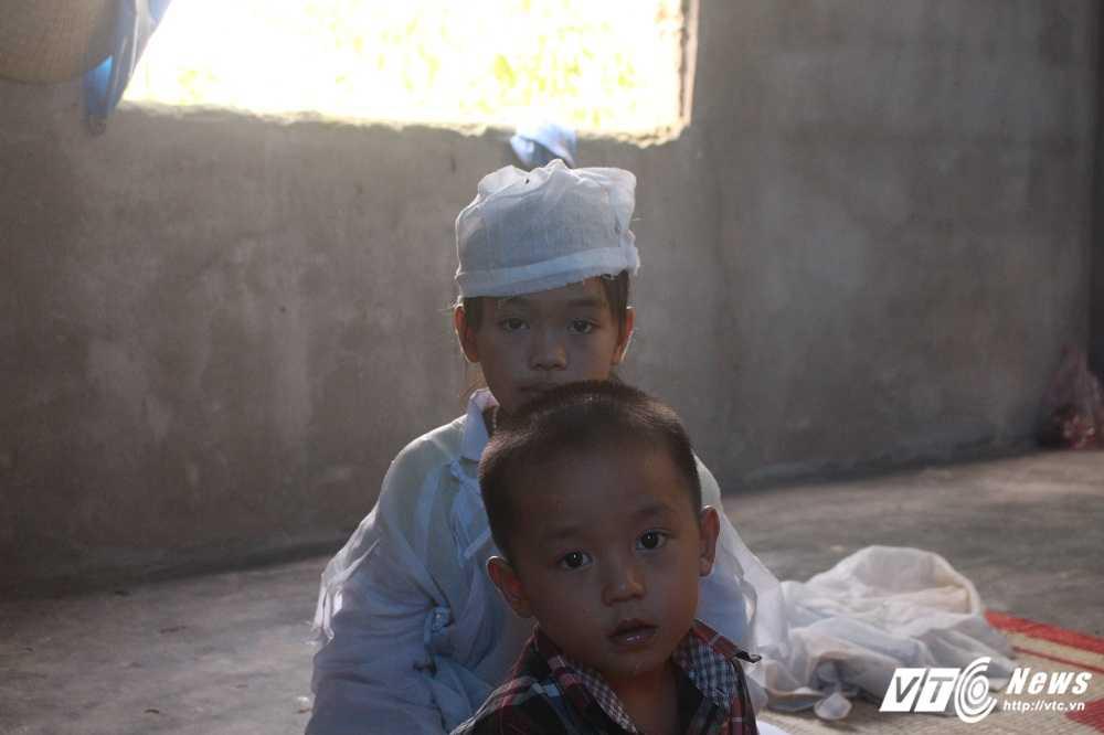 Xot thuong canh vo chet do tai nan, chong khong du tien mua quan tai hinh anh 4