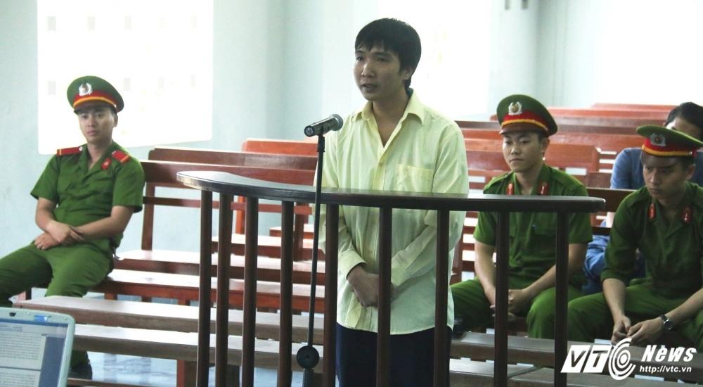 Tong tien nguoi dan, phong vien Thoi bao Lang nghe Viet linh 15 thang tu hinh anh 1