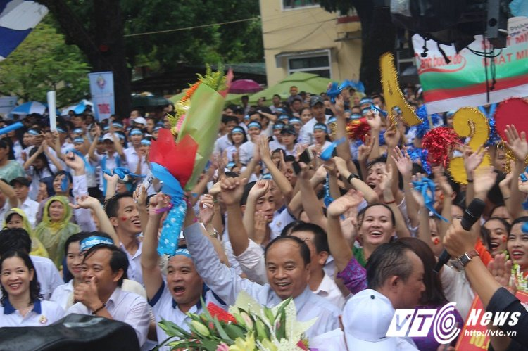 Tieu thuong Quang Tri bo buon ban co vu 'cau be Google' Phan Dang Nhat Minh hinh anh 5
