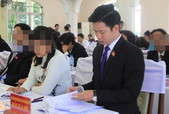 Cuu can bo bo tri xe doanh nghiep tang ong Nguyen Xuan Anh bi ky luat hinh anh 2