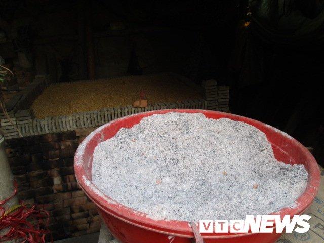 Anh: Ve lang Dia Linh xem nghe nan dat 'sinh' ong Cong, ong Tao hinh anh 4