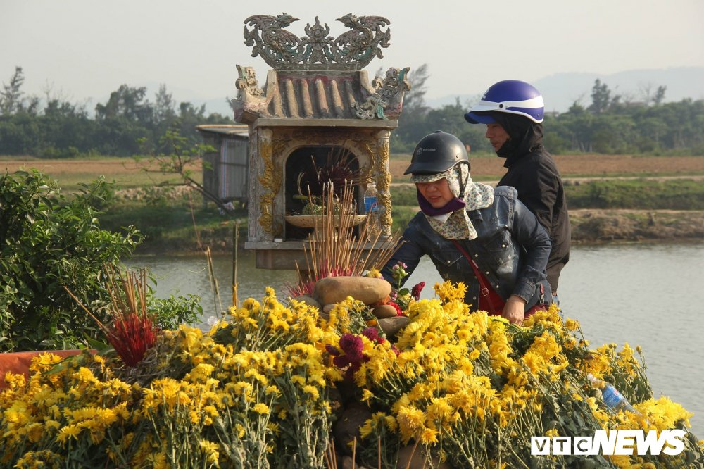 'Ran than' bi bat di, dan Quang Binh van keo den mo vo danh thap huong hinh anh 2