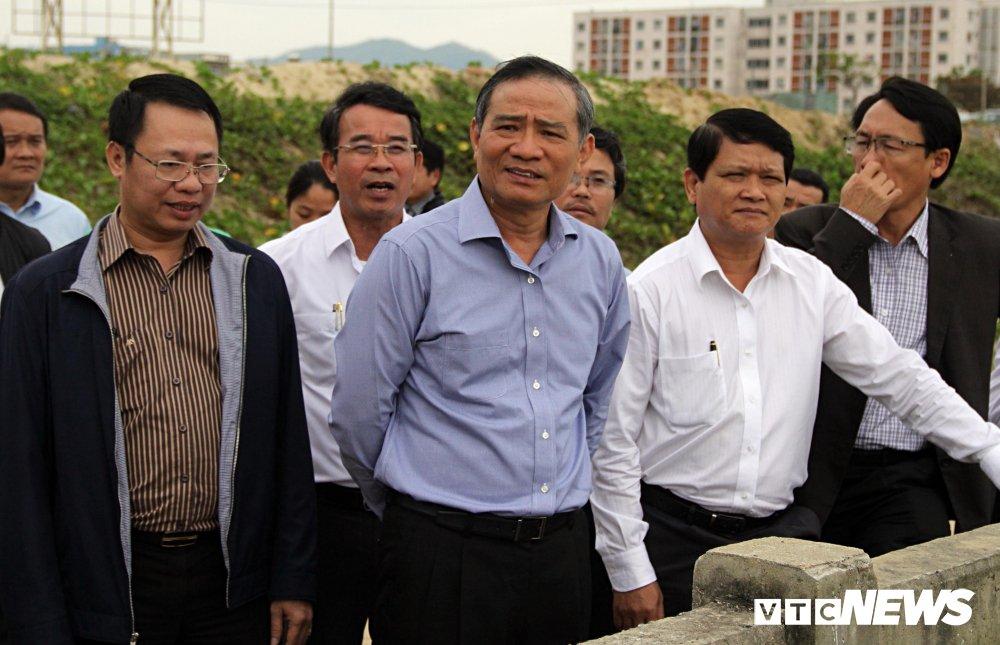 Bi thu Truong Quang Nghia yeu cau doanh nghiep mo duong cho dan xuong bien Da Nang hinh anh 1