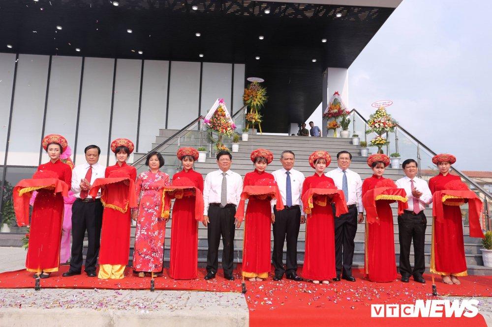 Chu tich Da Nang: 'Phai xem nha trung bay la khau quan trong de doi lai Hoang Sa' hinh anh 2