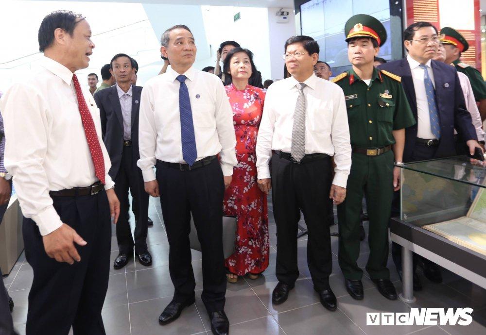 Chu tich Da Nang: 'Phai xem nha trung bay la khau quan trong de doi lai Hoang Sa' hinh anh 3