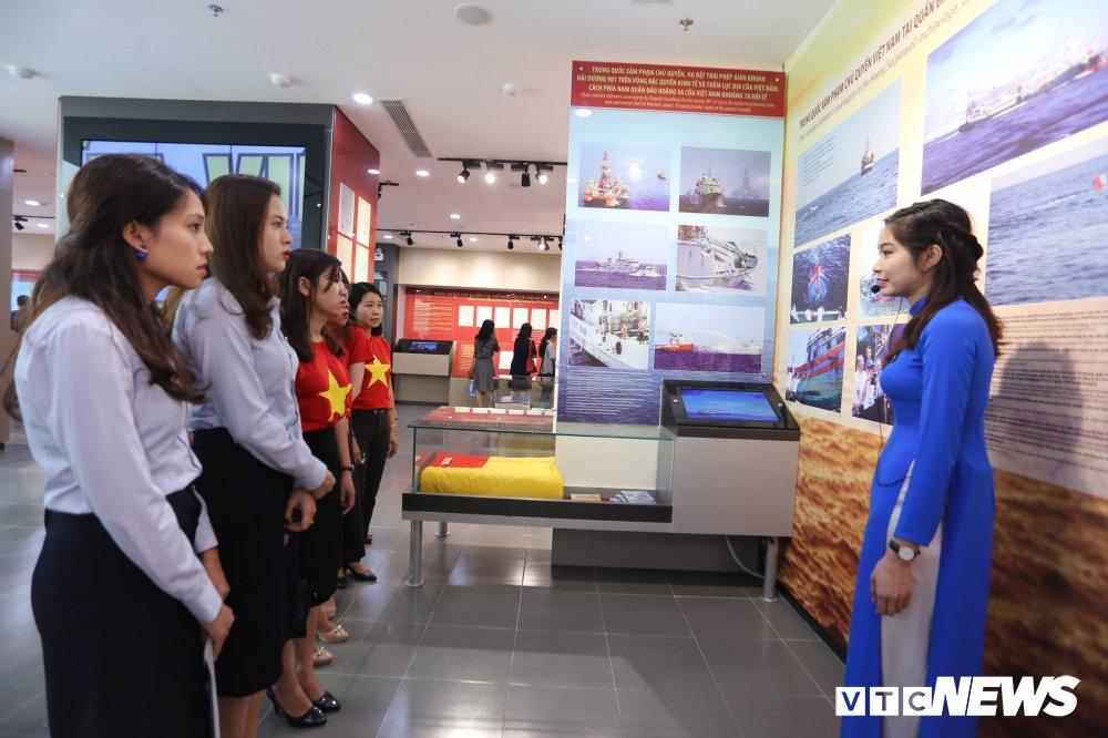 Chu tich Da Nang: 'Phai xem nha trung bay la khau quan trong de doi lai Hoang Sa' hinh anh 5