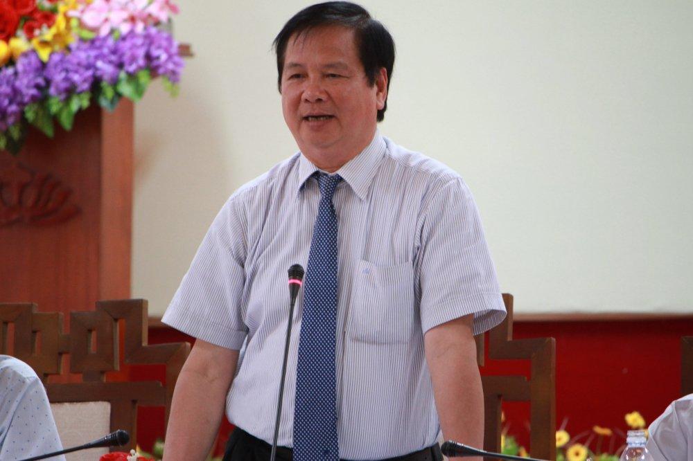 Pho Chu tich tinh Thua Thien - Hue: 'Se bao ve bao chi hon ca ban than toi' hinh anh 1