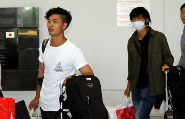 Tuan Anh, Cong Phuong 'mat tich' tai J.League 2 hinh anh 1