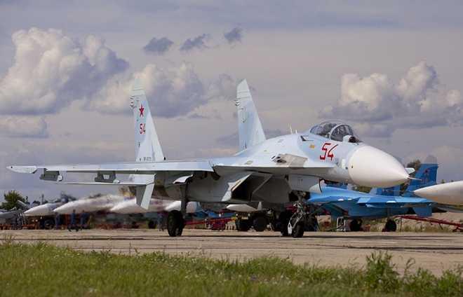 Nga dung bay toan bo Su-27 sau vu tai nan khien mot phi cong thiet mang hinh anh 1