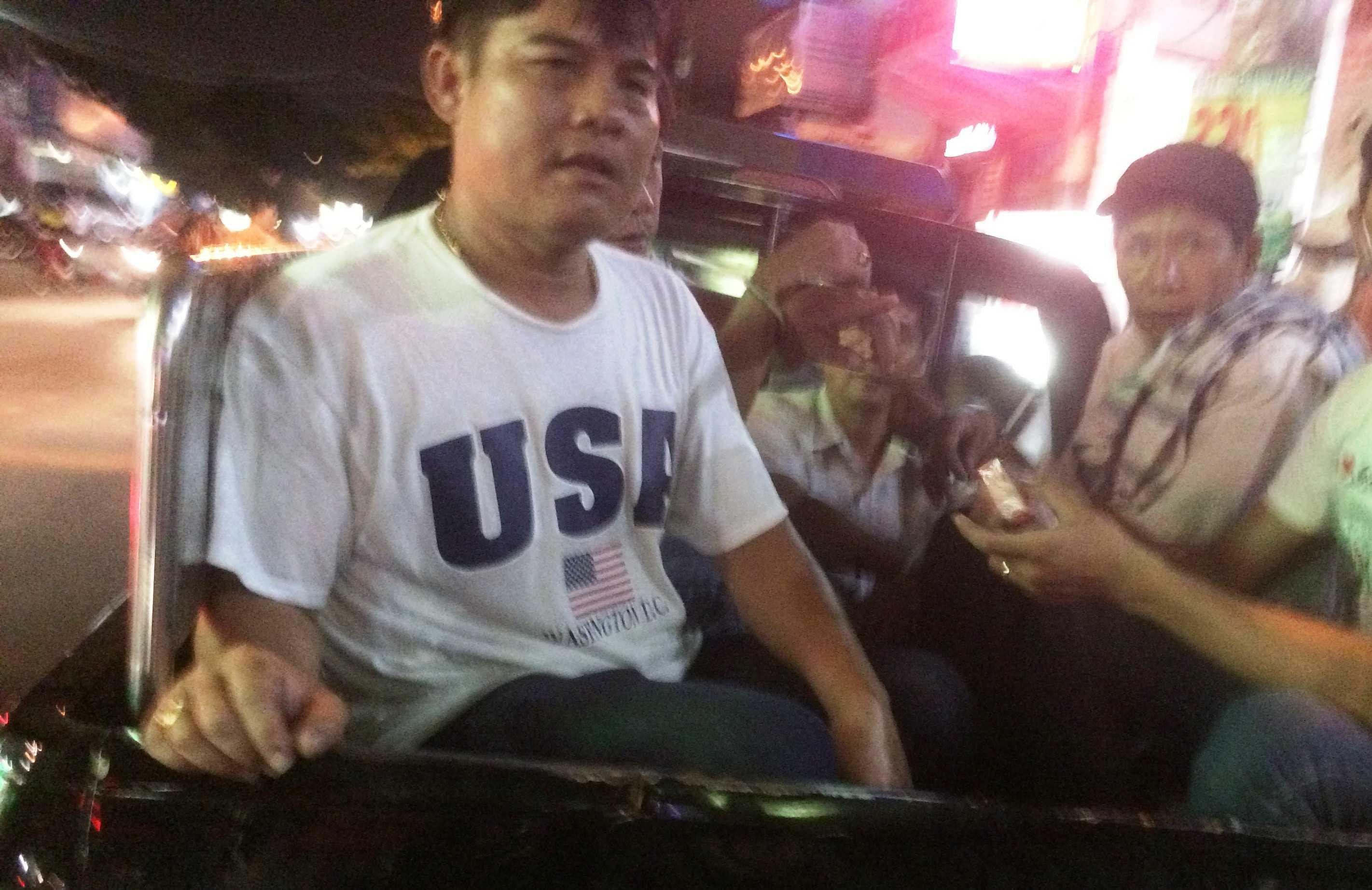 Hiep si Binh Duong len TP.HCM tom bang moc tui chuyen nghiep hinh anh 1