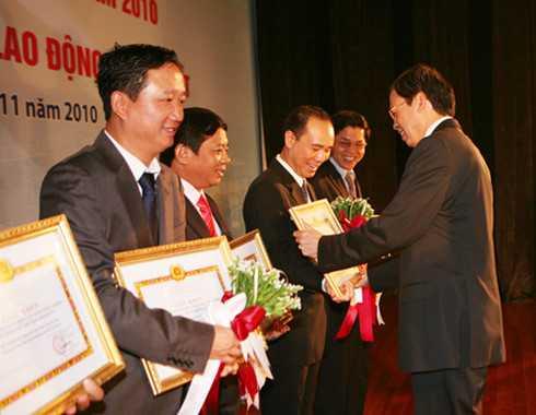 Uy ban Kiem tra Trung uong lam ro bo nhiem nhan su duoi thoi Bo truong Vu Huy Hoang hinh anh 2
