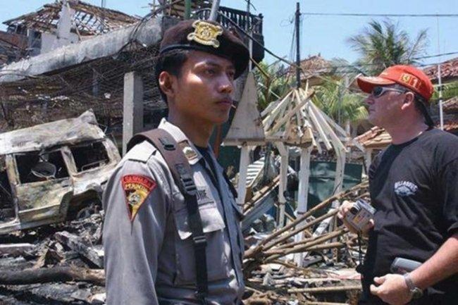 Indonesia cho doi tuong tan cong khung bo gap nan nhan song sot hinh anh 2