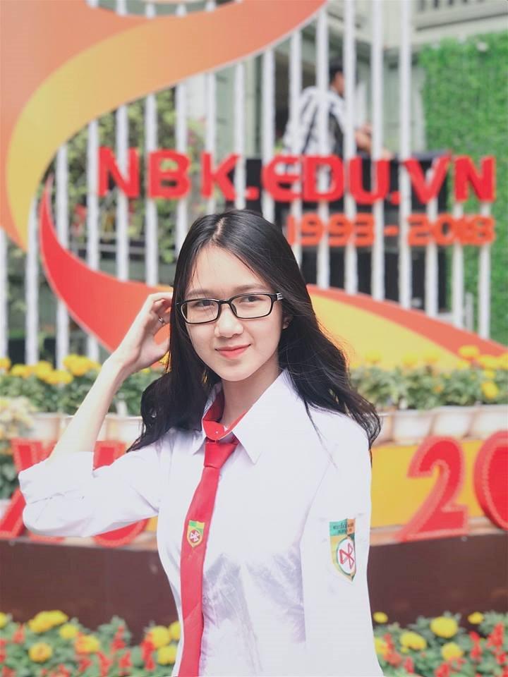 Ngam 10 guong mat 'hot' nhat truong THPT Nguyen Binh Khiem hinh anh 8