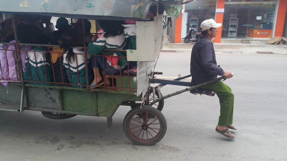 Kinh hai xem xe tu che 'than chet' cho hoc sinh o Hai Duong hinh anh 1
