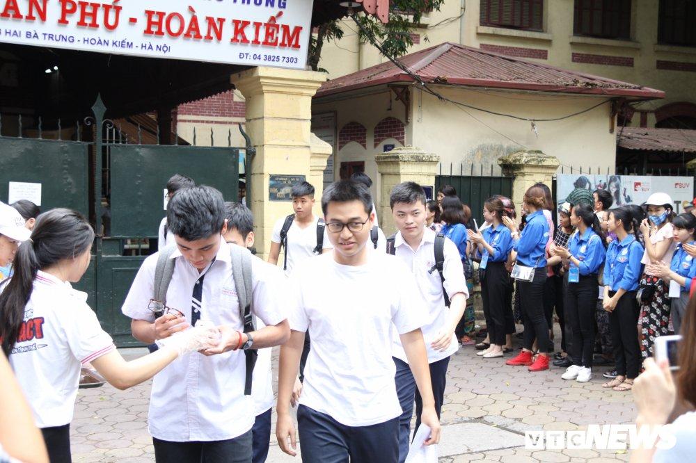 'Chiec thuyen ngoai xa' vao de thi Van THPT Quoc gia 2018, thi sinh than dai va kho hinh anh 6