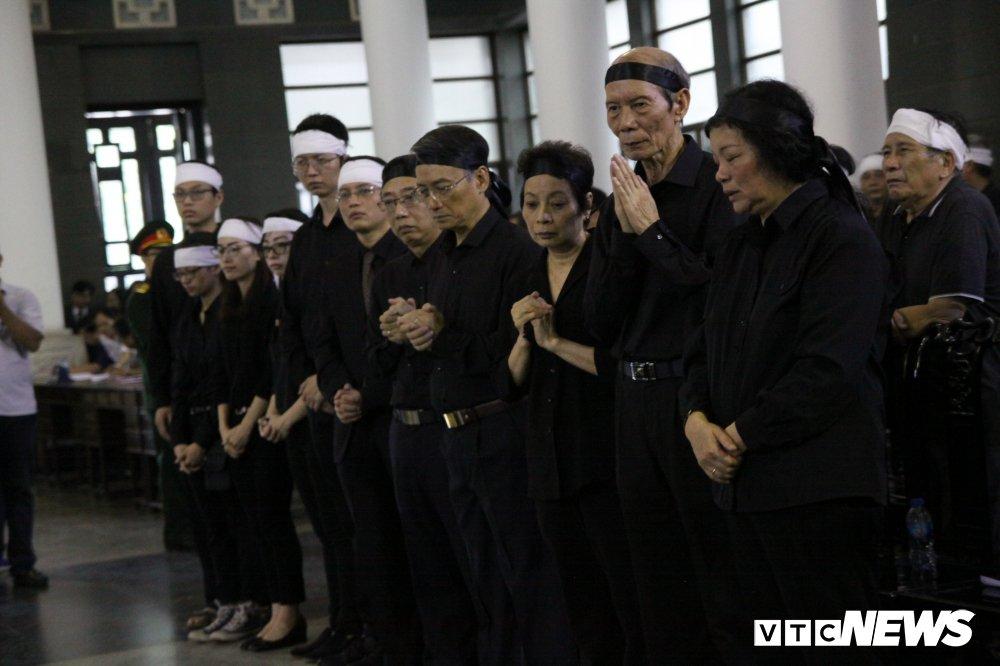 Anh: Lanh dao, nguyen lanh dao Dang, Nha nuoc xuc dong tien biet GS Phan Huy Le hinh anh 23
