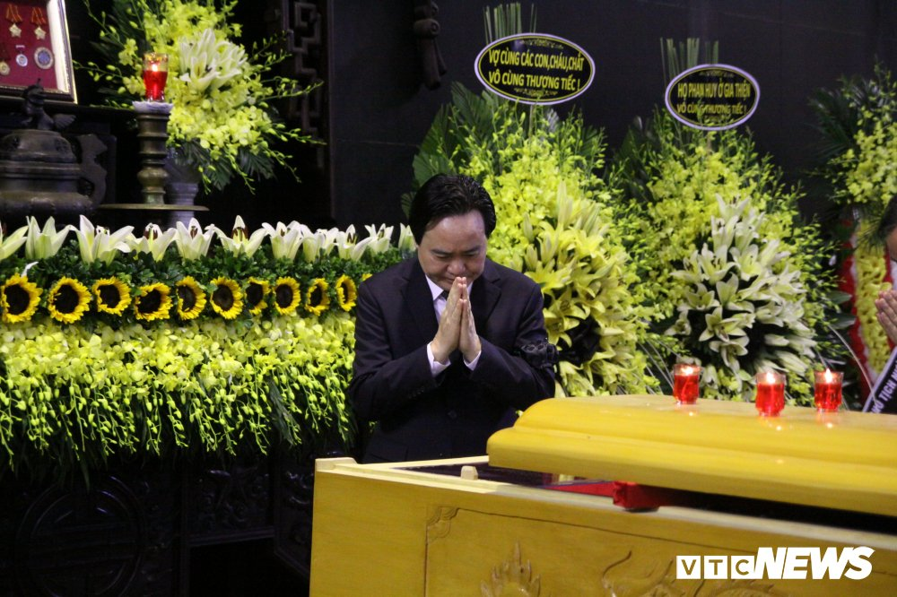 Anh: Lanh dao, nguyen lanh dao Dang, Nha nuoc xuc dong tien biet GS Phan Huy Le hinh anh 8
