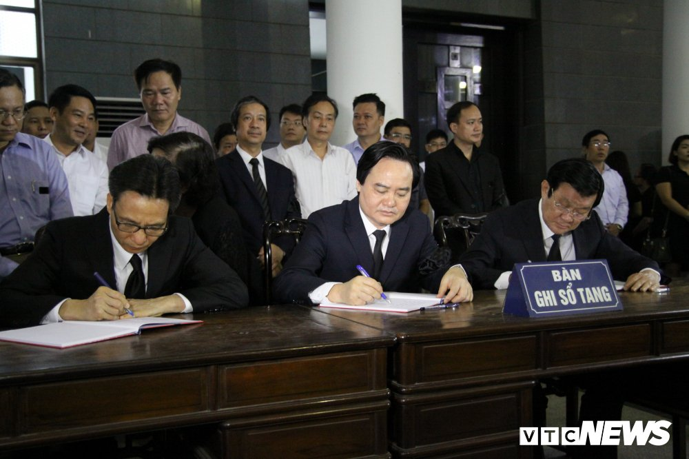 Anh: Lanh dao, nguyen lanh dao Dang, Nha nuoc xuc dong tien biet GS Phan Huy Le hinh anh 9