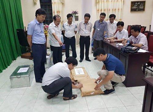 Gian lan cham thi chan dong tai Ha Giang: Phat hien vi pham cua ong Vu Trong Luong tu 7/7 hinh anh 1