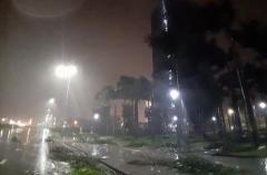 4h ngày 28/10, bão số 9 đang đi rất nhanh, Quảng Ngãi, Bình Định mưa to, gió lớn