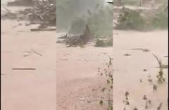 Clip: Cầu sắt ở Kon Tum bị cuốn trôi trong bão, hơn 400 hộ dân bị chia cắt