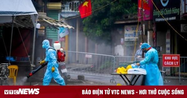 Việt Nam ghi nhận thêm 6 ca COVID-19