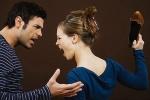 Tát chồng trước mặt đồng nghiệp vì thấy anh khoác tay 'gái lạ'