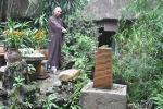 """Thực hư về hòn đá có """"điện"""" ở mảnh đất Bình Định?"""