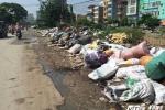 Kinh hãi 'con đường rác thải' giữa lòng Thủ đô