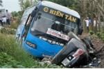 Xe khách tông trực diện xe hơi ở Thái Bình, nhiều người thương vong