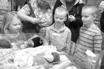 Xúc động người mẹ tổ chức liền 2 sinh nhật cho con gái trước khi con qua đời