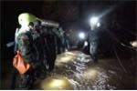 Sự cố khiến các thợ lặn cuối cùng suýt không thể ra khỏi hang sau khi giải cứu đội bóng Thái Lan