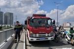 Để lại xe máy trên cầu Sài Gòn, người đàn ông nhảy xuống sông tự tử