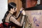 Giới họa sĩ thấy 'đau nhiều hơn giận' khi Đàm Vĩnh Hưng ký lên tranh