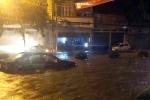 Thành phố Điện Biên Phủ ngập sâu hàng mét, người dân thâu đêm chạy lũ