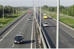 Vì sao không chođường sắt 'kẹp'đường bộ cao tốc?