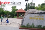 Hà Nội: Khu vui chơi tiền tỷ xuống cấp, ngập trong cỏ dại