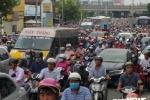 Tai nạn liên tiếp trên cầu Bình Triệu, cửa ngõ TP.HCM tê liệt
