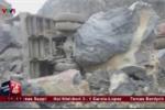 Video: Bới tung hàng nghìn khối đất đá tìm nạn nhân mắc kẹt ở Thanh Hóa
