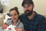 Hy hữu: Cô gái 29 tuổi sinh con khỏe mạnh dù bị ung thư cổ tử cung
