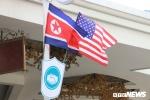 Ảnh: Treo cờ Mỹ và Triều Tiên trên nhiều tuyến phố Thủ đô