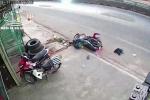 Clip: 'Thần chết ngủ quên', người đàn ông may mắn không bị xe tải chèn qua đầu